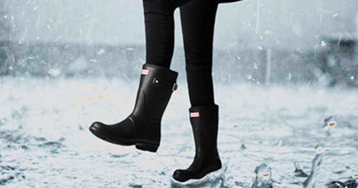 Today Only! Save Nearly $50 on Everyone's Favorite Hunter Rain Boots