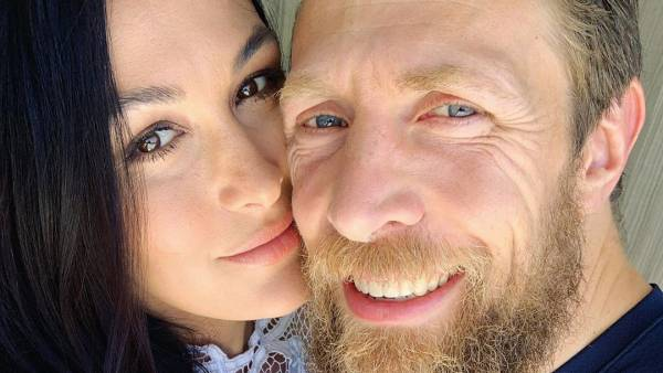 Brie Bella Gives Birth Welcomes Baby No 2 With Husband Daniel Bryan