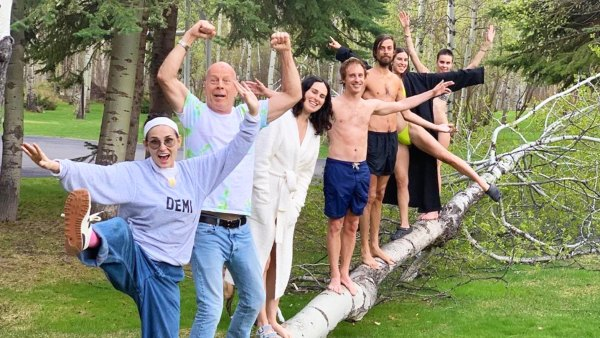Demi Moore and Bruce Willis in Quarantine With Their Family
