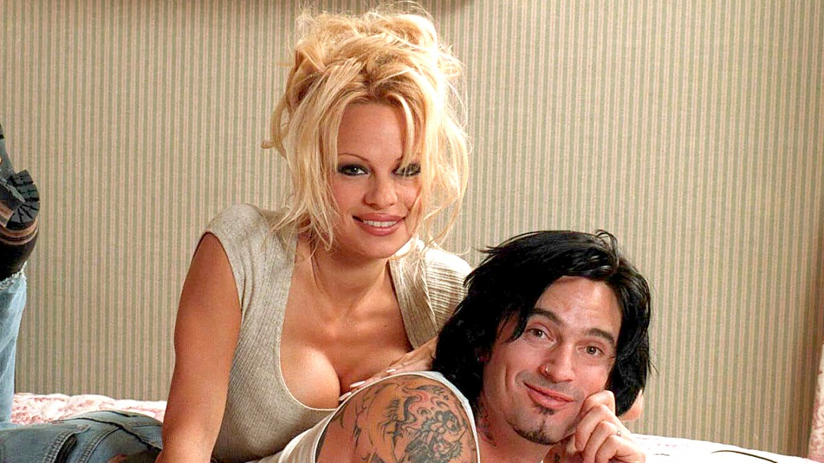 Pam Anderson Sex Tape Porn pamela anderson says tommy lee video was not a 'sex tape'