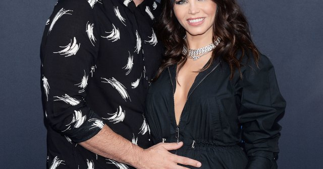 Celebrity Couples and How They First Met: Love Story Beginnings.jpg