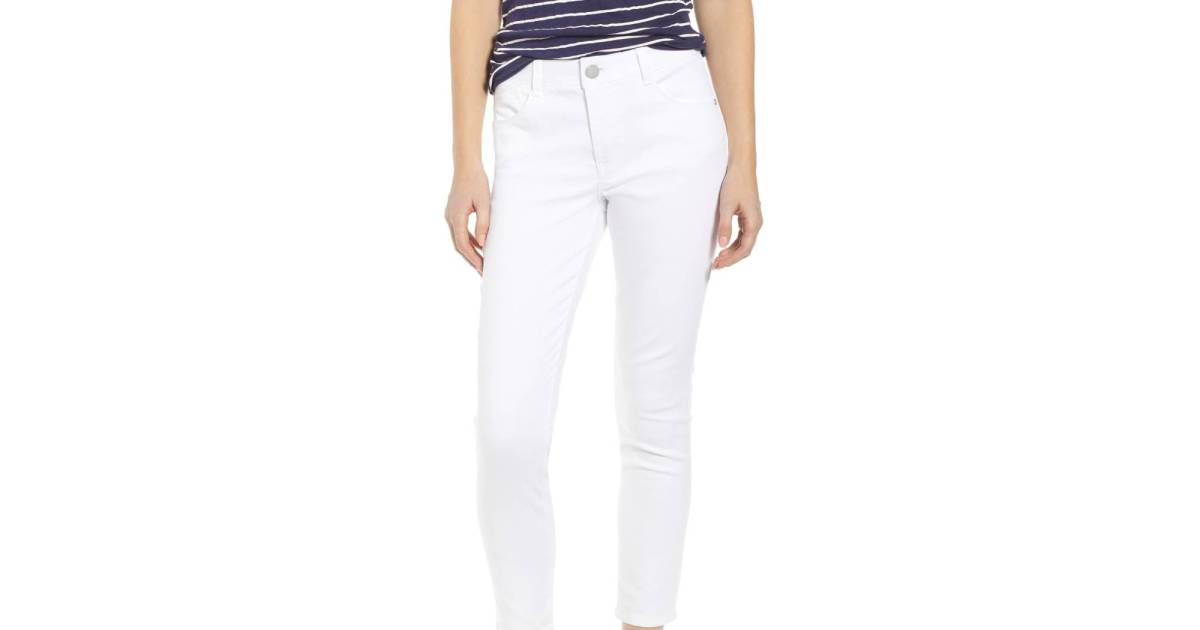 Get Into the Summer Mood With This Pair of Slimming White Jeans