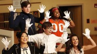 TikTok User Points Out That Glee Filled Auditorium With Creepy Dummies 2