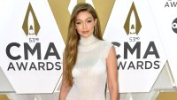 Gigi Hadid Conceal Pregnancy Baggy Clothes