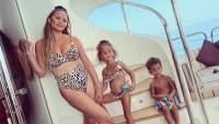 chrissy-teigen-leopard-bikini