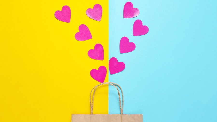 heart-gift-bag-gifts-for-couples