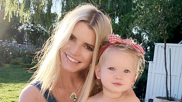 Cali Cowgirls See Jessica Simpson Sweetest Pics With Daughter Birdie