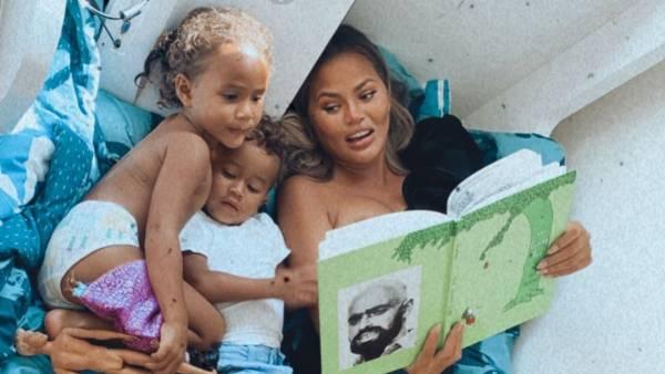 Chrissy Teigen John Legend's Pics With Luna and Miles