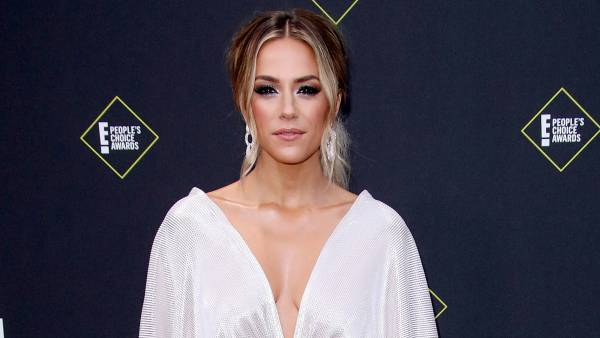 Jana Kramer Breaks Down, Reveals Her Pneumonia Has Paused Movie Filming 2
