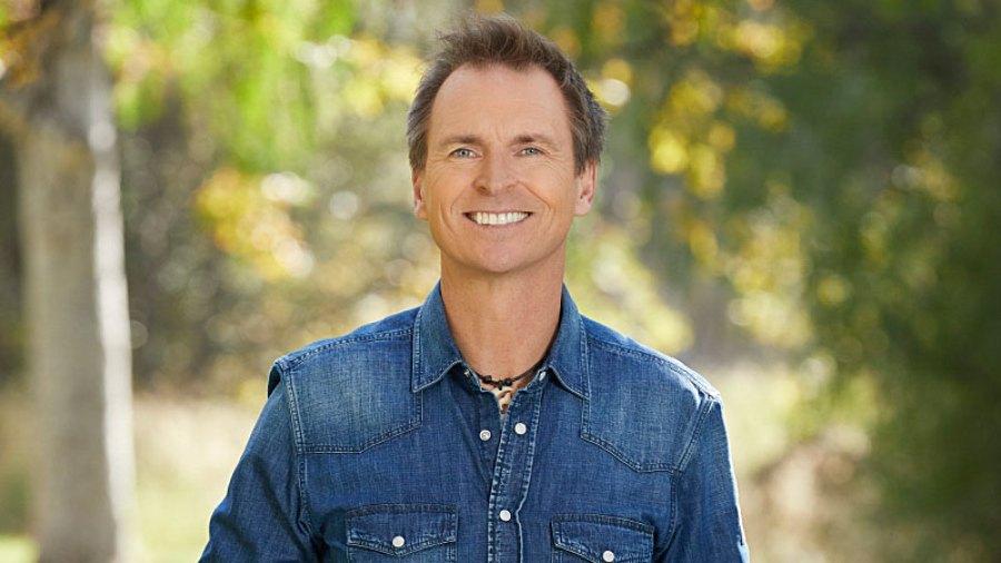 Amazing Race Host Phil Keoghan Teases Season 32