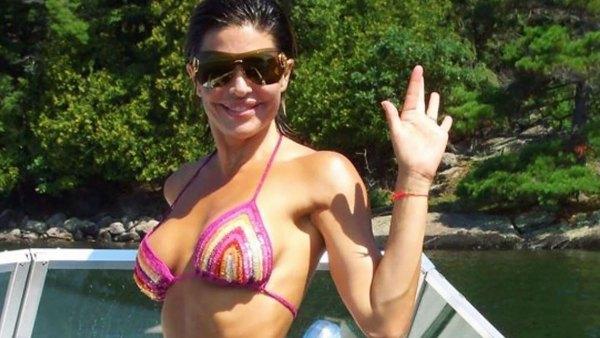Hot Mama! Lisa Rinna's Bikini Body Is Insane in This Throwback Pic