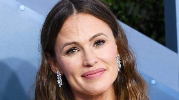 Jennifer Garner Jokes 'Sometimes the 8 Dollar Haircut Worked'