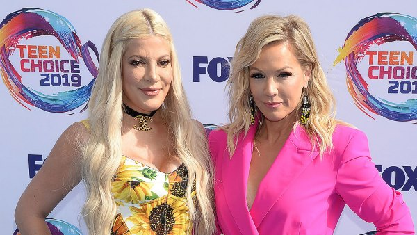 Promo Tori Spelling and Jennie Garth Beverly Hills 90210 Podcast Revelations