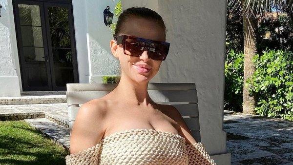 Pregnant Lala Kent Bikini Bump