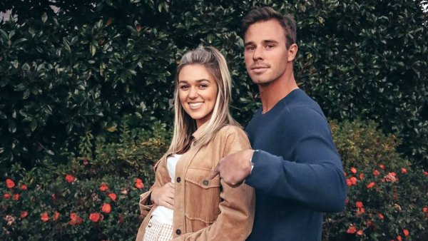 Sadie Robertson's Pregnancy Pics Ahead of 1st Child: Baby Bump Album