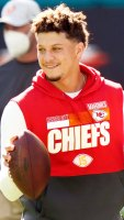 Chiefs QB Patrick Mahomes Is Doing Great After Leaving Game Concussion
