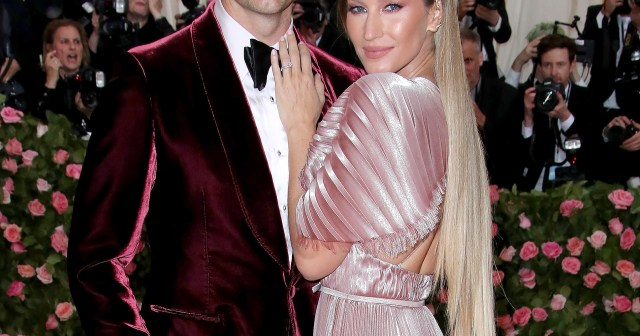 Tom Brady and Gisele Bundchen Will Celebrate 12th Anniversary With Family: 'Just Happy to be Spending Time Together'.jpg