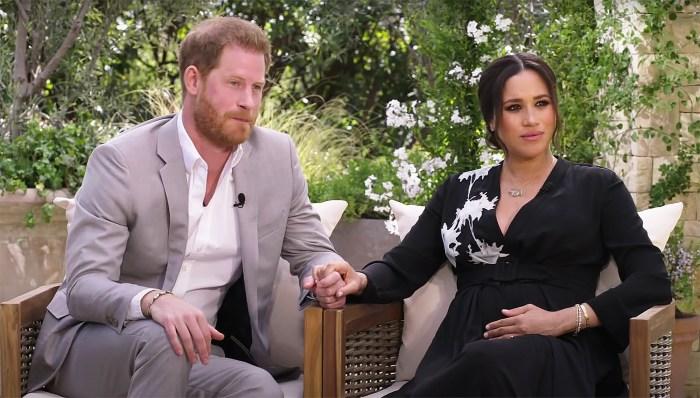 Le prince Harry recycle le même costume gris qu'il portait pour le baptême d'Archie pour CBS Tell-All 2