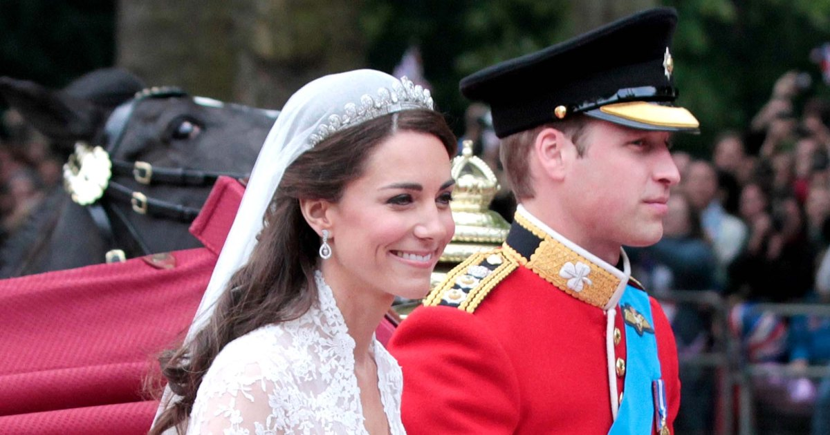 10-Years-William-Kate-Are-All-Smiles-New-Anniversary-Portrait-002.jpg?crop=0px,119px,2000px,1051px&resize=1200,630&ssl=1&quality=86&strip=all