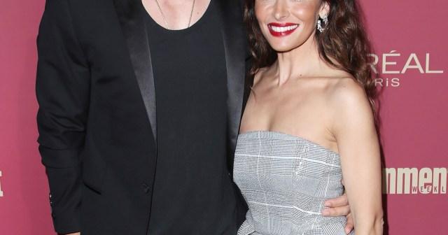 Shameless' Steve Howey and Sarah Shahi Finalize Their Divorce.jpg