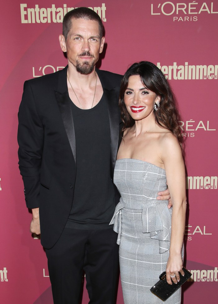 Shameless 'Steve Howey et Sarah Shahi finalisent leur divorce