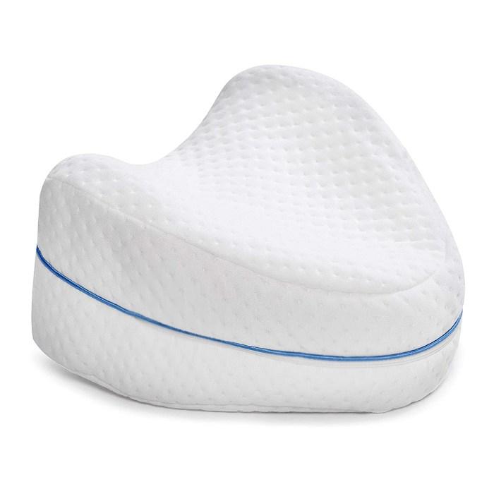 oreiller-jambe-genou-dormant sur le côté