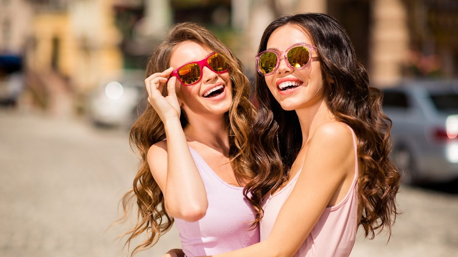 fashionable-women-spring