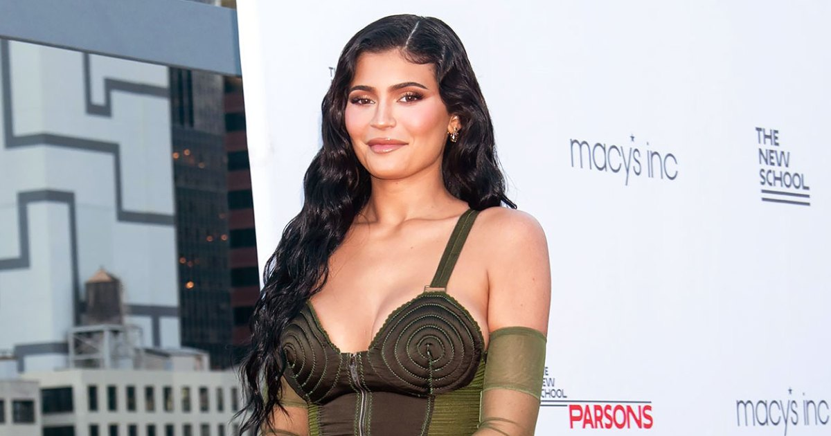 Kylie Jenner Was Hand-Sewn Into Her Vintage Dress for Red Carpet Appearance With Travis Scott, Stormi