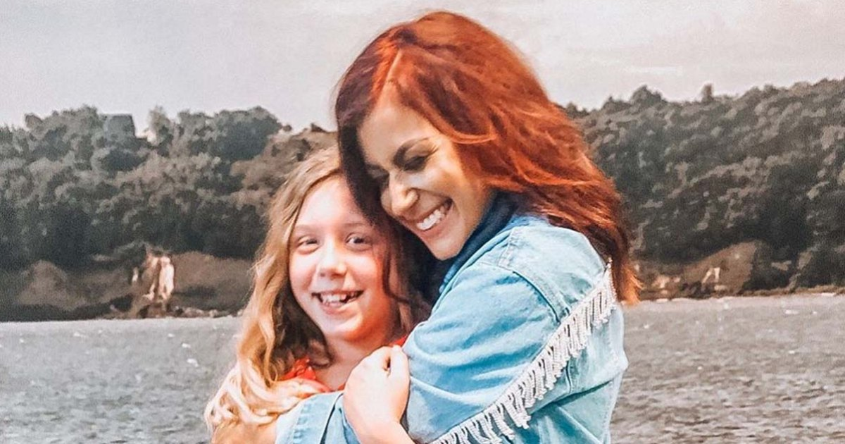 New-Dos-Chelsea-Houska-More-Celebs-Who-Colored-Their-Kids-Hair-002.jpg?crop=4px,57px,1196px,629px&resize=1200,630&ssl=1&quality=86&strip=all