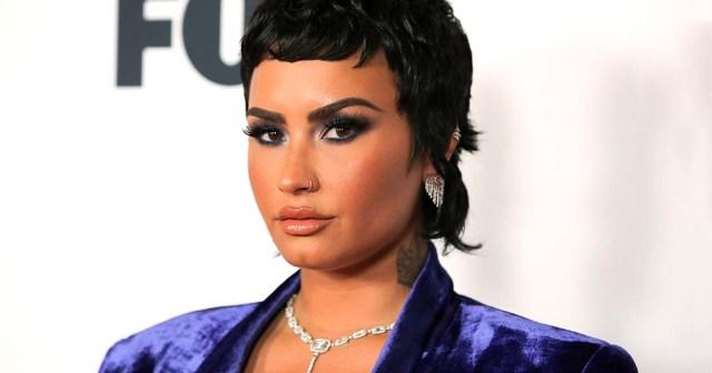 Demi Lovato Shares Lingerie Selfie After Filming Their 1st Sex Scene.jpg