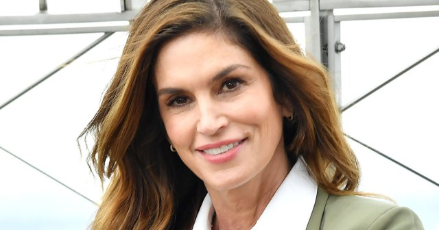 Cindy Crawford Uses This Face Tint With SPF for a Flawless Finish.jpg