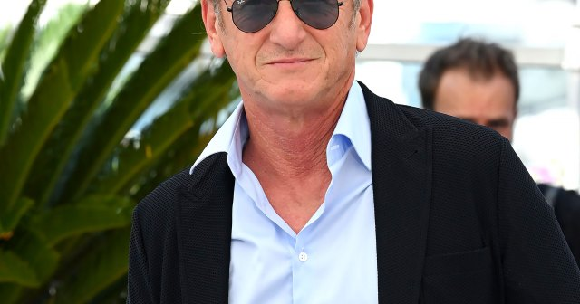 Sean Penn Refuses to Return to Work Until Entire 'Gaslit' Cast and Crew Are Vaccinated Against COVID-19.jpg