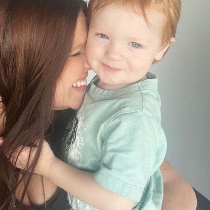 Amy Duggar prévient que ses disciples ne plaisanteront pas avec son fils Daxton Mama Bear va frapper