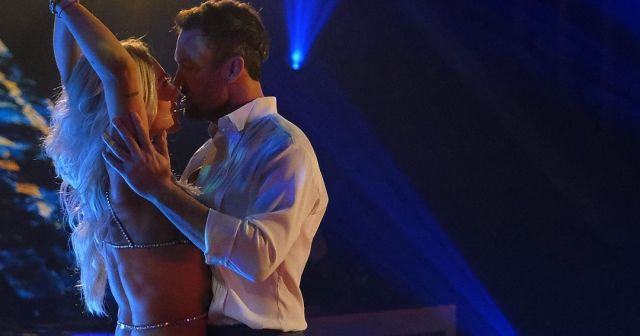 'Dancing With the Stars' Sends Home the First Couple of Season 30.jpg