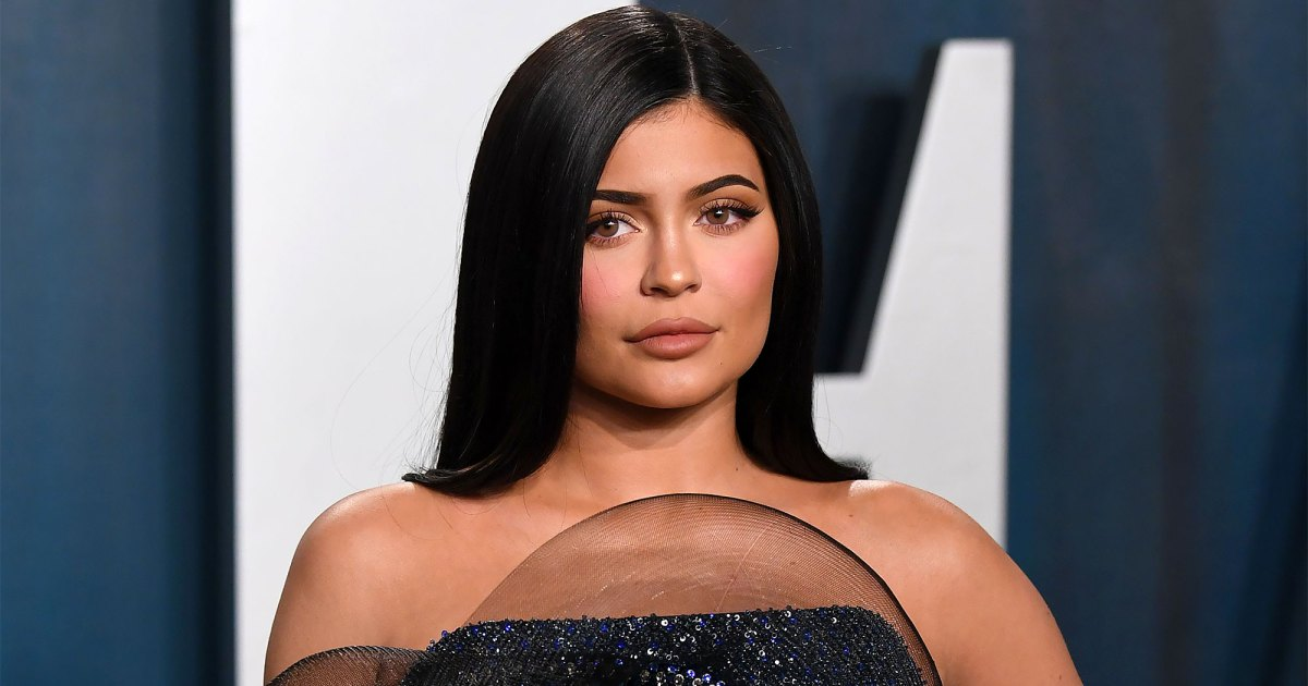 Kylie-Jenner-Shows-Pregnancy-Cravings-Ahead-2nd-Baby-Photo-001.jpg?crop=0px,0px,2000px,1051px&resize=1200,630&ssl=1&quality=86&strip=all