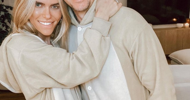 Lauren Scruggs Is Pregnant, Expecting 1st Child With Jason Kennedy After IVF Journey.jpg