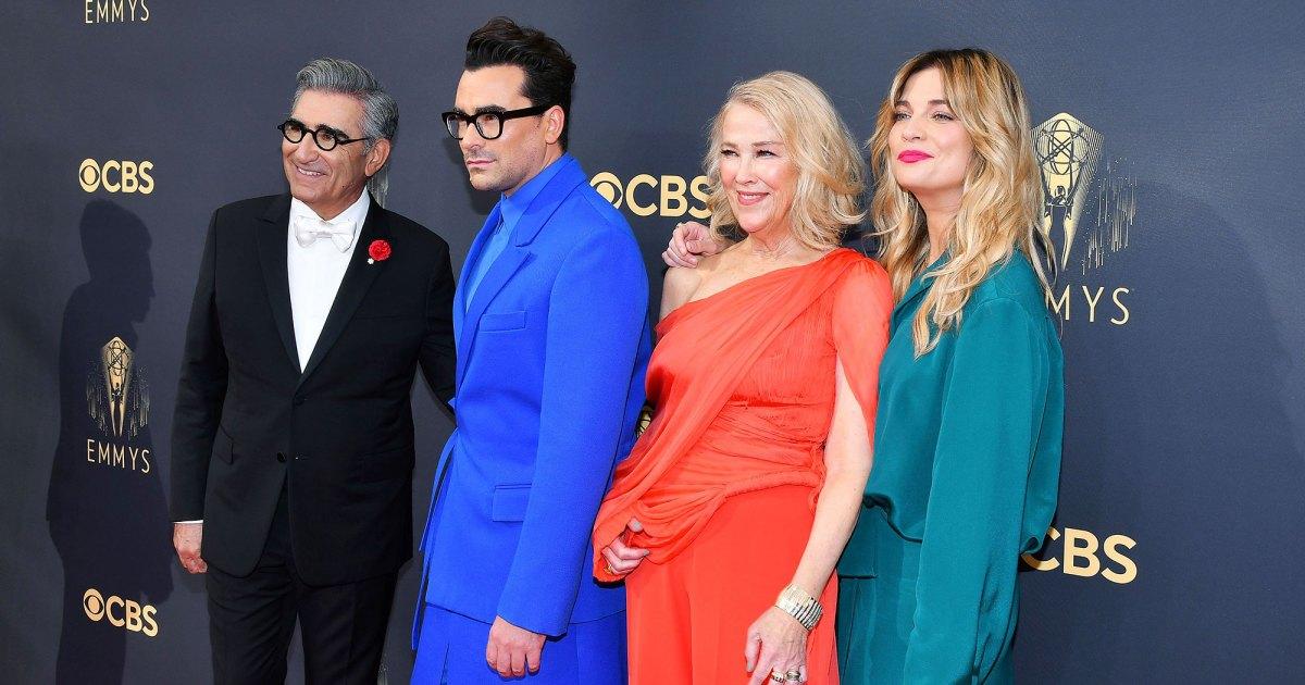 Schitts-Creek-Cast-Reunites-Emmys-2021-0004.jpg?crop=0px,68px,2000px,1051px&resize=1200,630&ssl=1&quality=86&strip=all