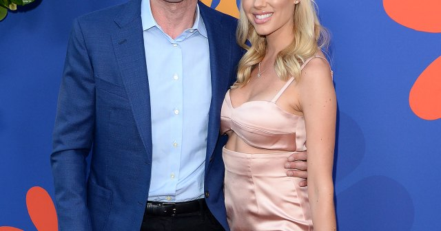 Why Tarek El Moussa Thinks Having Kids With Heather Rae Young Will Be 'Much Easier'.jpg
