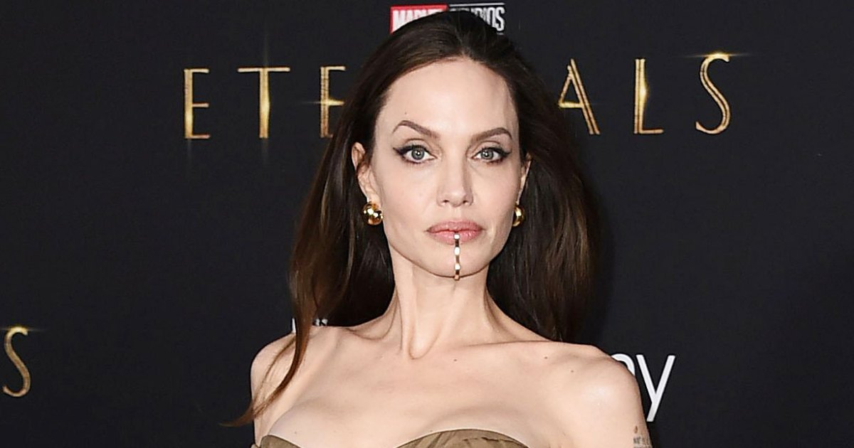 Angelina-Jolie-Is-Having-So-Much-Fun-Dating-Again-0001.jpg?crop=0px,0px,1229px,646px&resize=1200,630&ssl=1&quality=86&strip=all