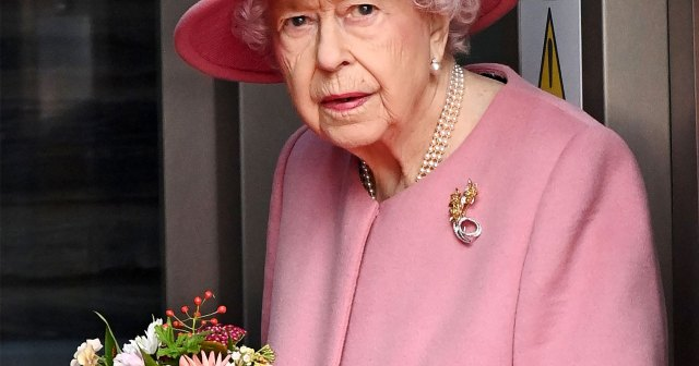 Royal Family Is 'Rallying' Around Queen Elizabeth II After Hospital Stay: They Were 'Urging' Her to Slow Down.jpg