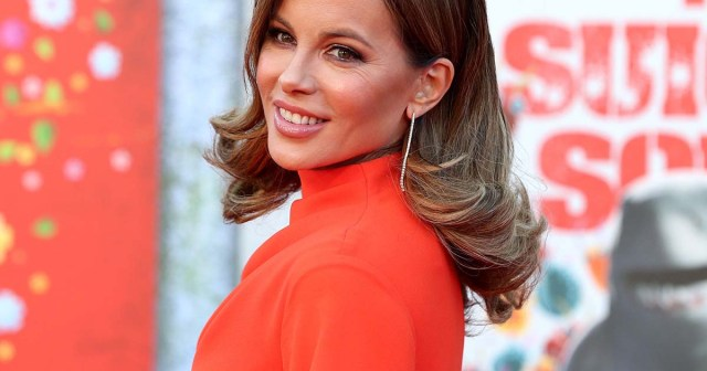 Kate Beckinsale Fires Back at Troll After Joking About Her Age: 'Have at It'.jpg
