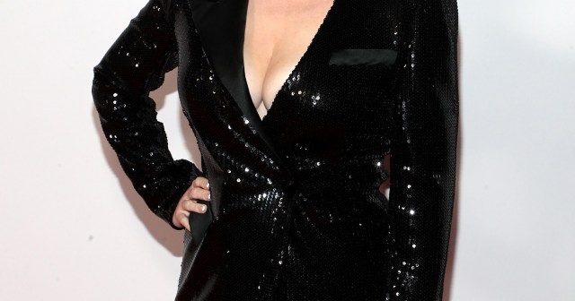 Rebel Wilson Understands Why People Are 'Obsessed' With Her Weight Loss Transformation.jpg