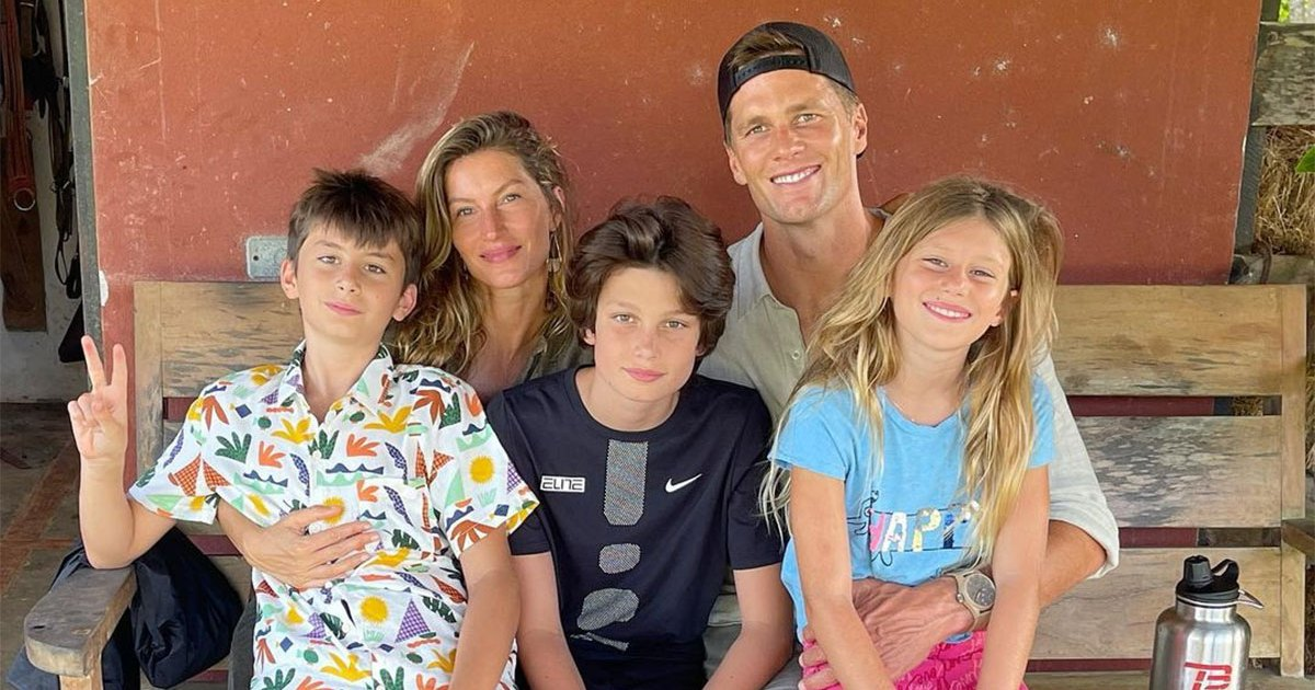Tom-Brady-and-Gisele-Bundchen-Kids-Support-Dad-During-Patriots-Game.jpg?crop=0px,73px,1200px,630px&resize=1200,630&ssl=1&quality=86&strip=all