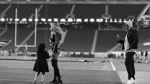 Beyonce and Blue Ivy at the Super Bowl rehearsals