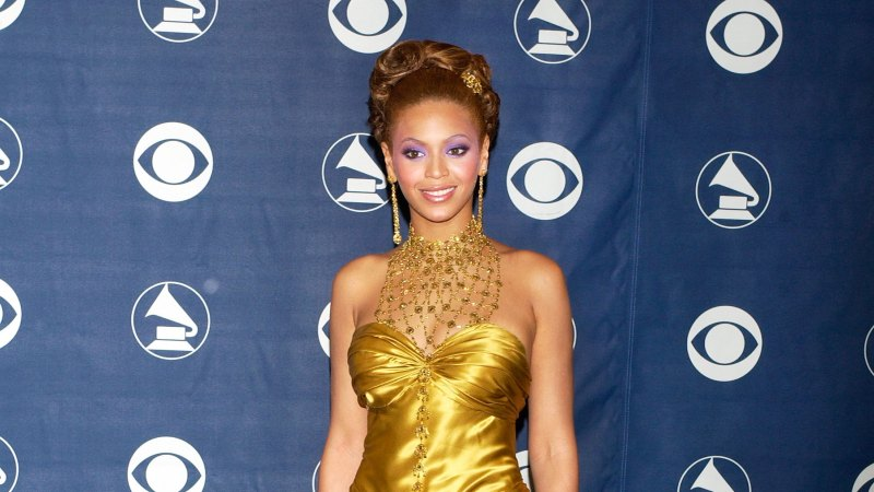 See All of Beyonce's Grammys Looks Through the Years 19