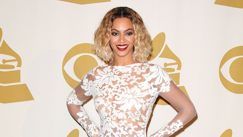See All of Beyonce's Grammys Looks Through the Years 27
