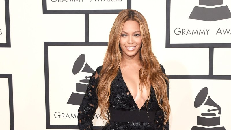 See All of Beyonce's Grammys Looks Through the Years 28