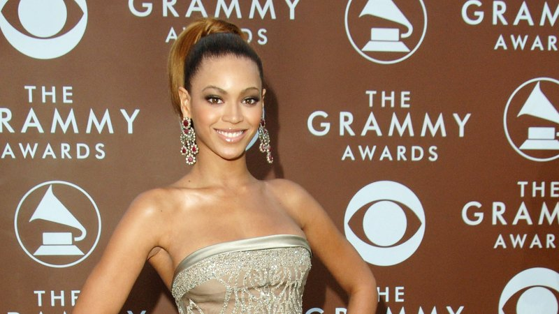 See All of Beyonce's Grammys Looks Through the Years 21