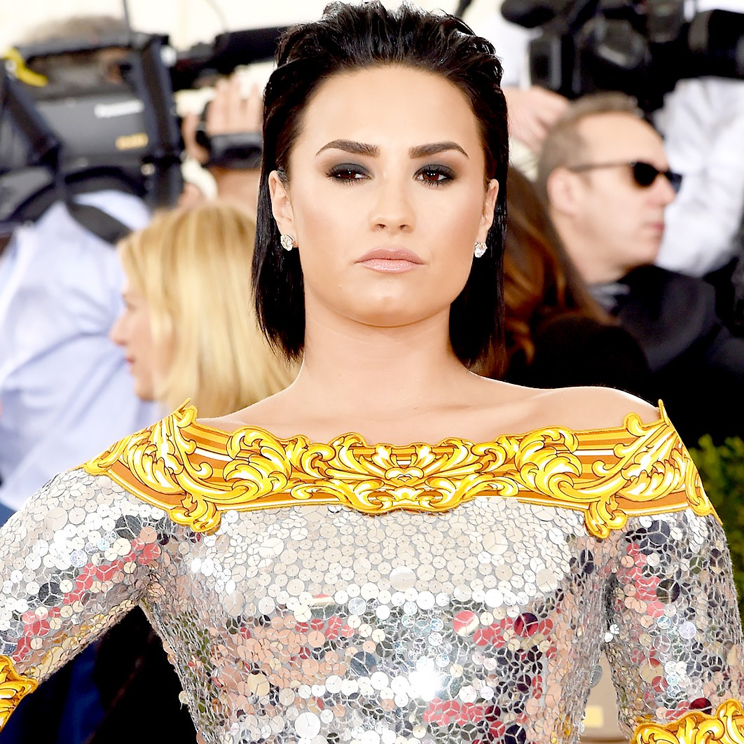 """Demi Lovato attends the """"Manus x Machina: Fashion In An Age Of Technology"""" Costume Institute Gala at Metropolitan Museum of Art on May 2, 2016 in New York City."""