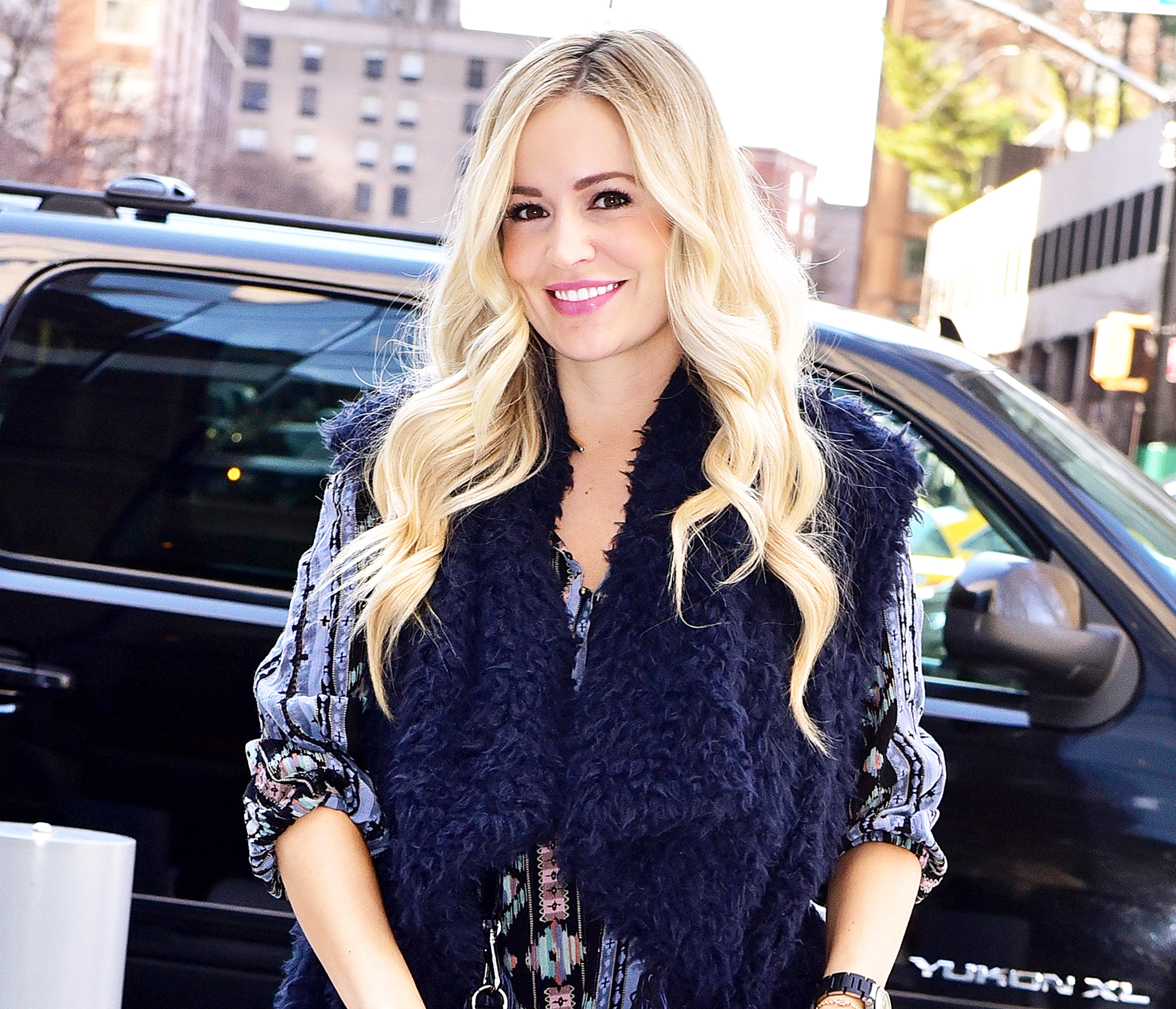 Who is emily maynard currently hookup